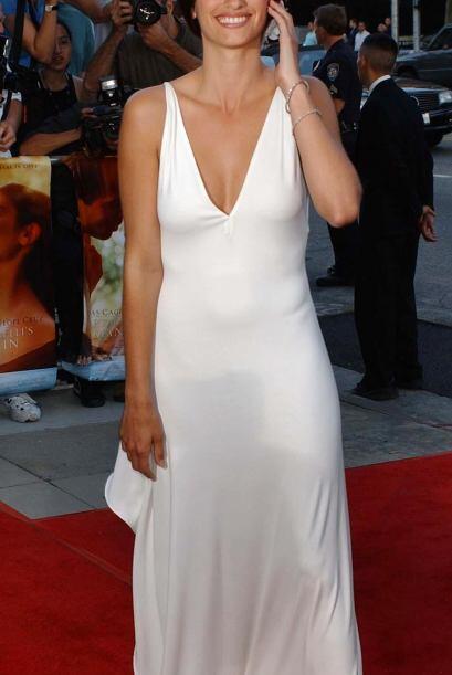 La actriz española no se considera femenina y dice que camina com...