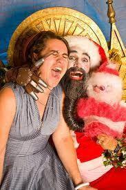 Un Santa fuera de serie, ¿no qué no? Fotos por Twitter ¿Quieres  ver más...