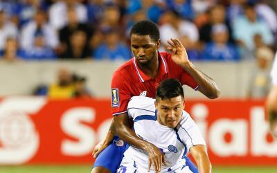 Costa Rica y El Salvador igualaron a un gol.