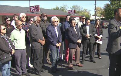Líderes locales de grupos étnicos que viven al sur de Sacramento combati...