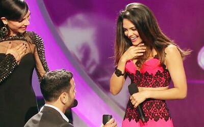 Le pidieron matrimonio a Alina en pleno show