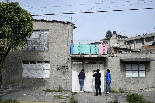 La calle Jalisco, donde está la casa, es ancha y muy transitada, cercana...