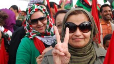 La proclamación oficial del fin de la era Gadafi fue saludada en Libia e...