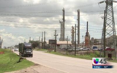 Piden regulaciones más estrictas a refinerías
