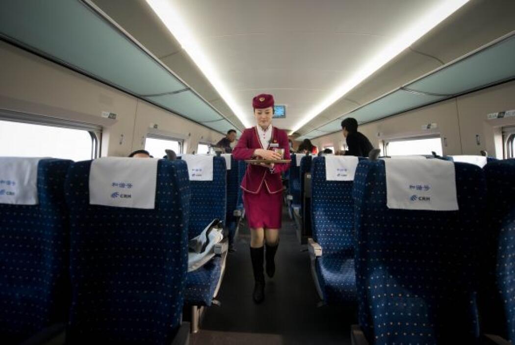 El gobierno chino también planea construir una red ferroviaria de alta v...