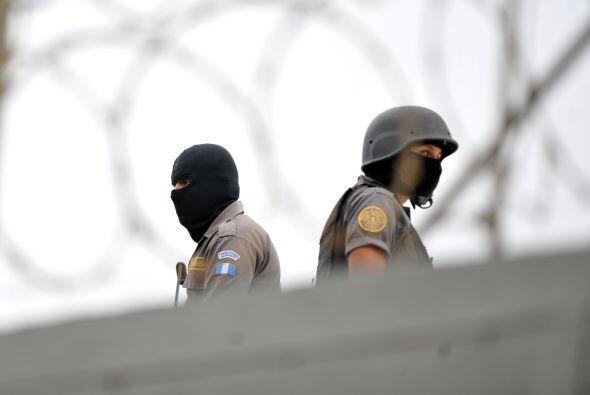"""Ante la amenaza de los cárteles del narcotráfico, """"de..."""