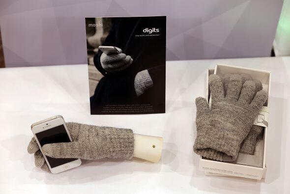 Con los guantes Moshi Digits ya no tendrás que quitarte los guantes en é...