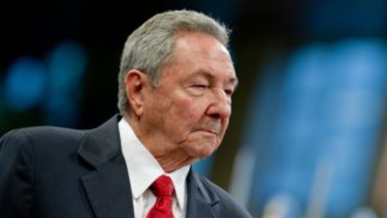 Raúl Castro prolongó el plazo de cierre de 500 mil empleos estatales, fi...
