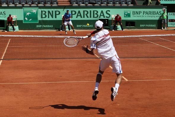 El número dos del mundo, el serbio Novak Djokovic no pudo iniciar mejor...