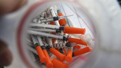 Jeringas usadas por adictos a la heroína.