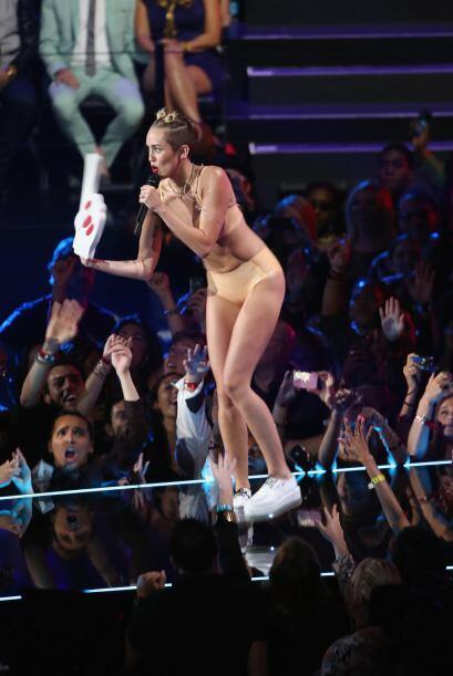 El 'outfit' de la cantante desde ese brillante día se ha caracterizado p...