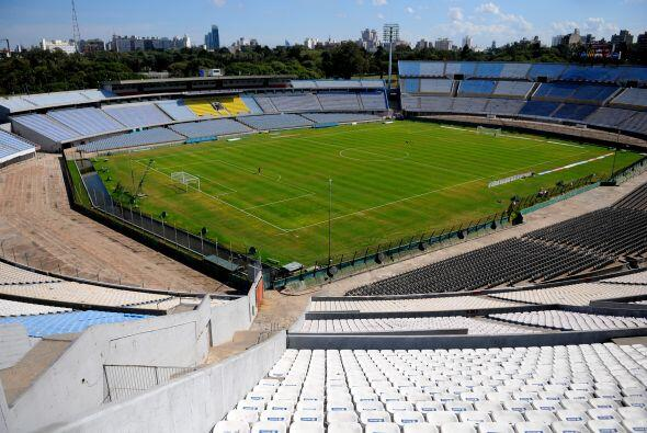 El estadio Centenario, cita de grandes batallas futboleras, fue el escen...