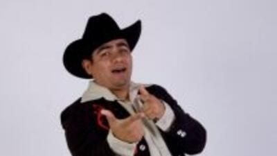 'Por Ti Me Puse Bien Crazy' es un tema divertido y bastante chusco, dice...
