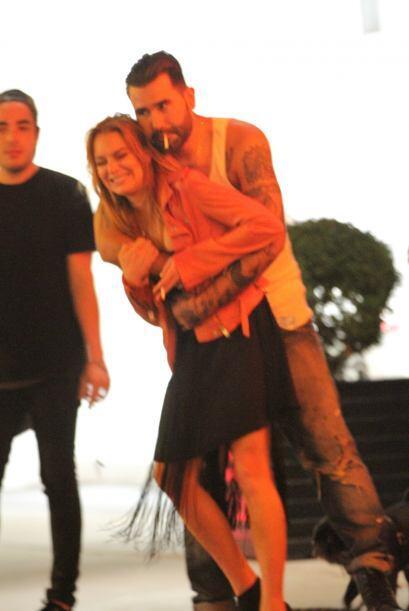 Miren lo feliz que lució Lindsay mientras estuvo acompañada de este galán.