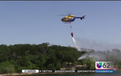 Autoridades del condado Travis exhiben helicópteros especiales contra in...