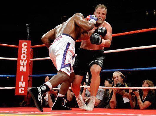 El sudafricano subió al ring con muy poca preparación, pero aguantó siet...