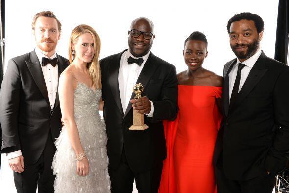 """Steve McQueen, el director de """"12 Years a Slave"""", recibió el Golden Globe."""