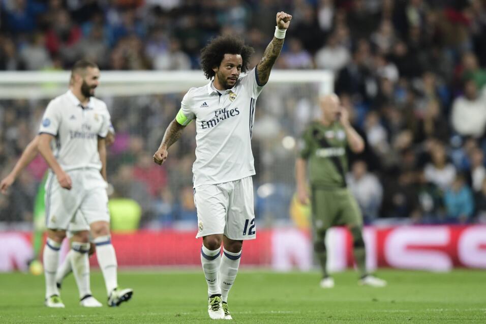 Bayern Múnich pasó sin complicaciones sobre el PSV de los mexicanos Guar...