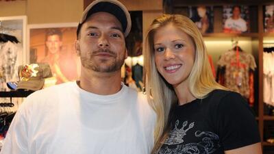 El ex de Britney Spears con su nueva esposa, Victoria Prince.