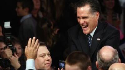 Romney gana primaria en New Hampshire con 35% del apoyo.