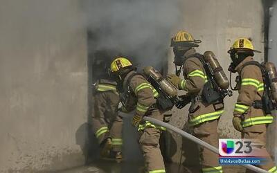 Así entrenan los bomberos de Dallas
