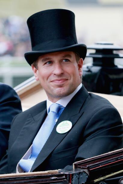 Peter Phillips: Es el primer hijo y único varón  de la Princesa Ana. Des...