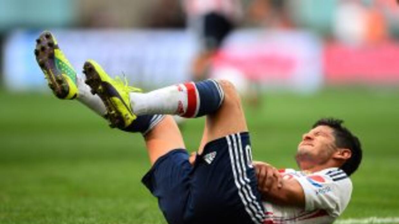 Ángel Reyna sufrío una caída en el juego ante Santos y se lesionó, pero...