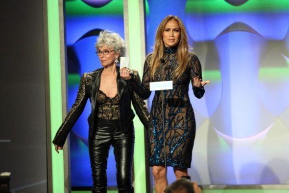 Jennifer Lopez recibió una distinción especial en los GLAA...