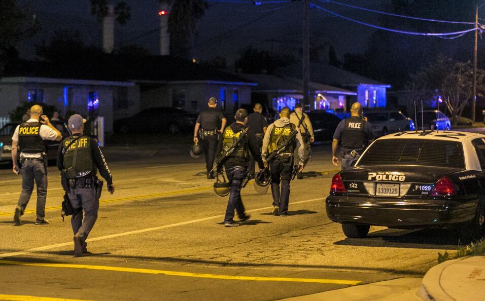 Hispanos consternados por tiroteo en California  sanbernardino1.jpg