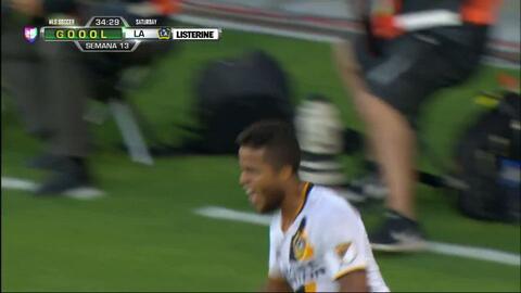 Goooolll!! Giovani dos Santos mete el balón y marca para LA Galaxy