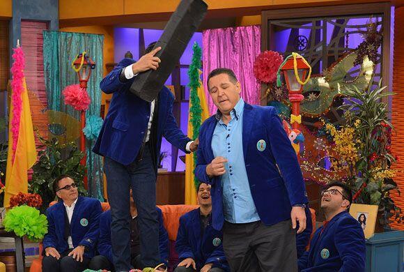 Un miembro de la familia de Univisión, Pablo Ramírez también participó e...