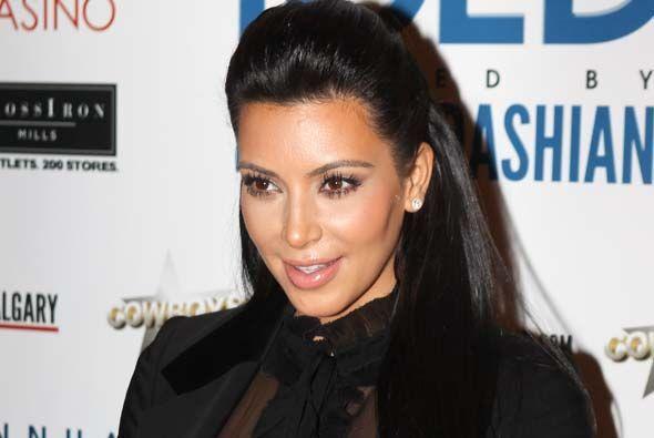 Kim Kardashian se encuentra en la posición #9 con más de 17 millones de...