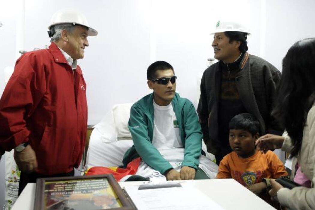 Luego de que el presidente Morales llegara al yacimiento el minero Carlo...