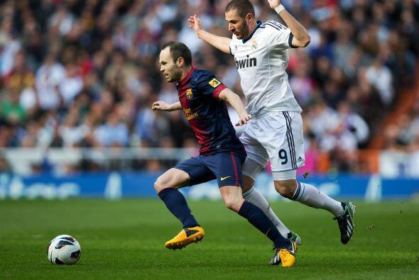 Iniesta asumió el mando del Barcelona ante la flata de Xavi y la desapar...