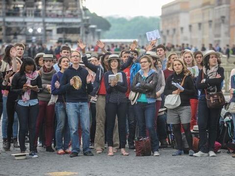 Este domingo se celebra la ceremonia de canonización en la Plaza de San...