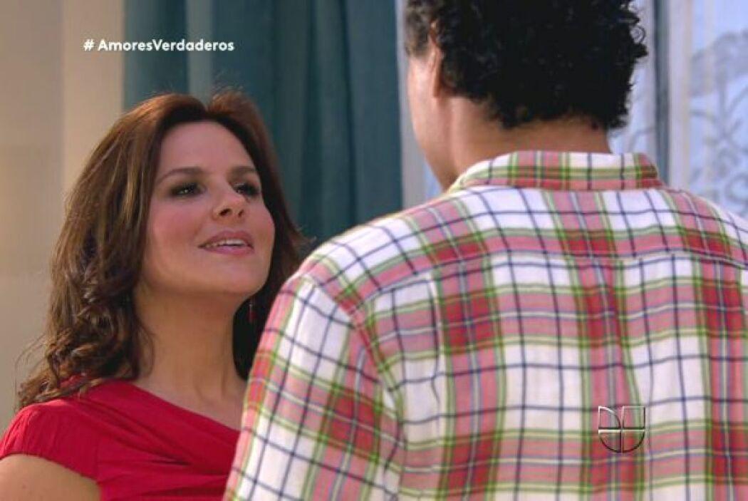 Además Cristina se ha empeñado en hacerle escenas cuando él está trabaja...