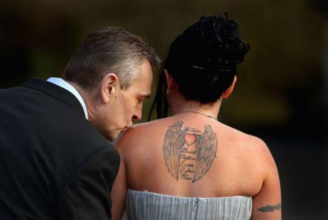 Esta pareja de enamorados decidieron contraer matrimonio este día San Va...