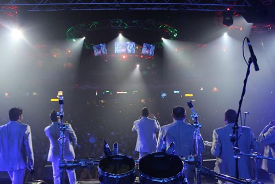Gracias de nuevo a La Original Banda El Limón por su gran presentación....