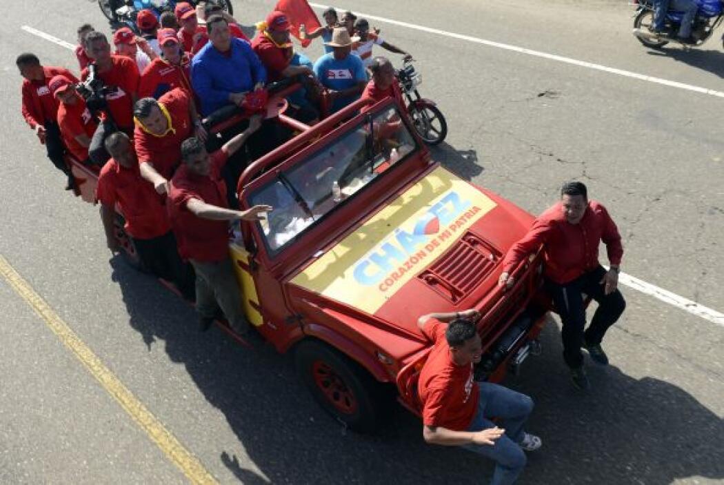 """""""Estamos en avalancha"""", gritó el presidente venezolano en su acto en Coj..."""