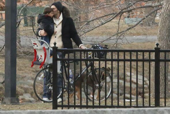 Más adelante llegaron a un pequeño parque de Boston.  Aquí los videos má...
