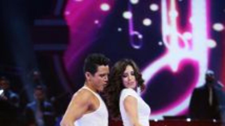 Alejandro bailó un Broadway en la quinta noche.