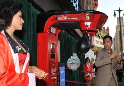 Oscar De la Hoya tuvo un estilo elegante en el boxeo, y ha sabido manten...