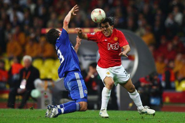 En la campaña 2007-2008 el Manchester United le arrebató a...