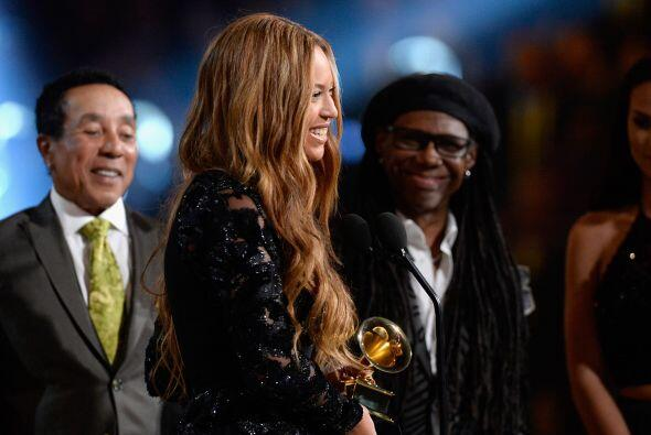 Beyoncé y Jay Z ganaron como Mejor Performance R&B con 'Drunk in Love'.