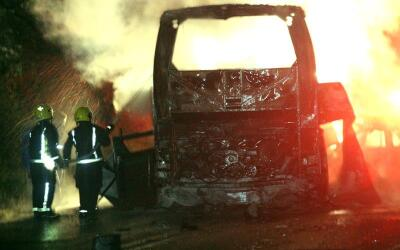 Autobús que se incendió en la carretera México-Tuxpan.
