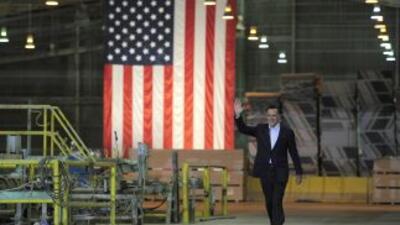 Romney ha descrito el DREAM Act como una limosna, lo ha tildado de amnis...