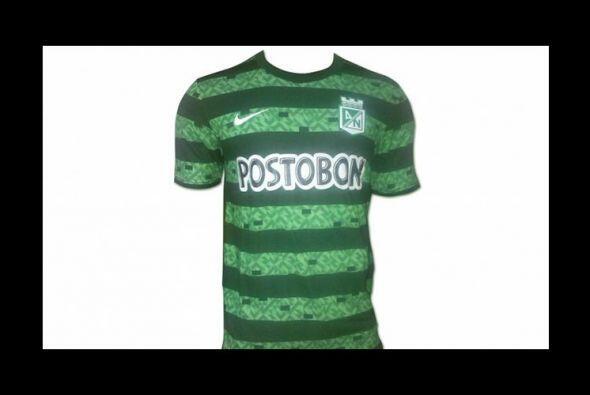 El segundo uniforme del Atlético Nacional de Colombia mantiene el verde...