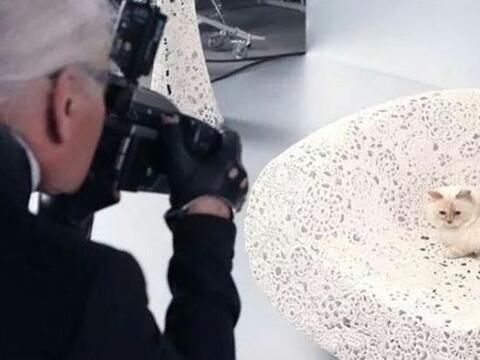 El diseñador y director creativo de Chanel, Karl Lagerfeld no pue...
