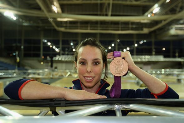 A un año de su medalla de bronce en las barras asimétricas en Londres 20...