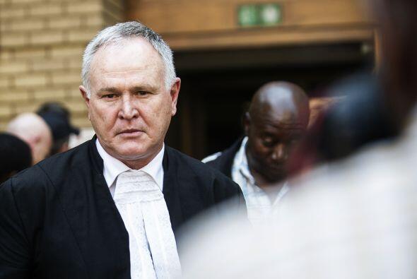 Barry Roux, abogado defensor del atleta, fue una pieza fundamental en el...